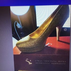 Kenneth Cole Unlisted Gold Sparkle High Heels 9M